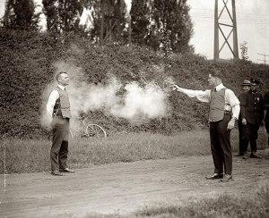Teste de coletes à prova de balas, 1923.