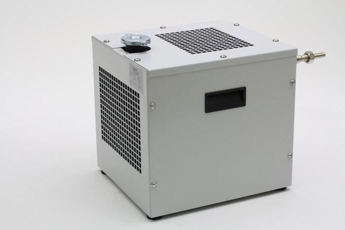 Refroidisseur à circulation d'huile