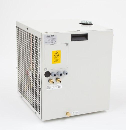Refroidisseur à circulation d'eau ou de glycol.