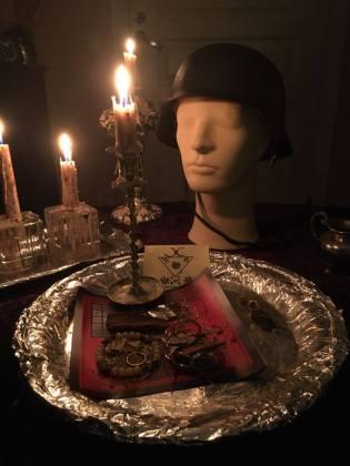 Den planetariska talismanen av Mars kan användas i ritualer för mod. Detta är en ritual för mod.