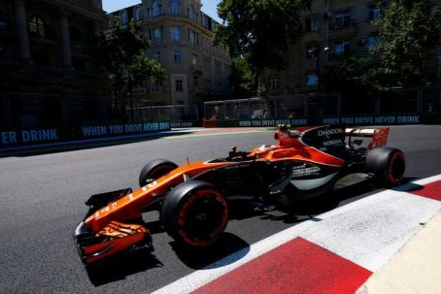 Stoffel Vandoorne - McLaren - Azerbaiyán - Sábado