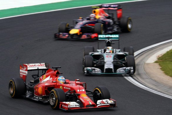Duelo a tres bandas por la victoria del GP de Hungría