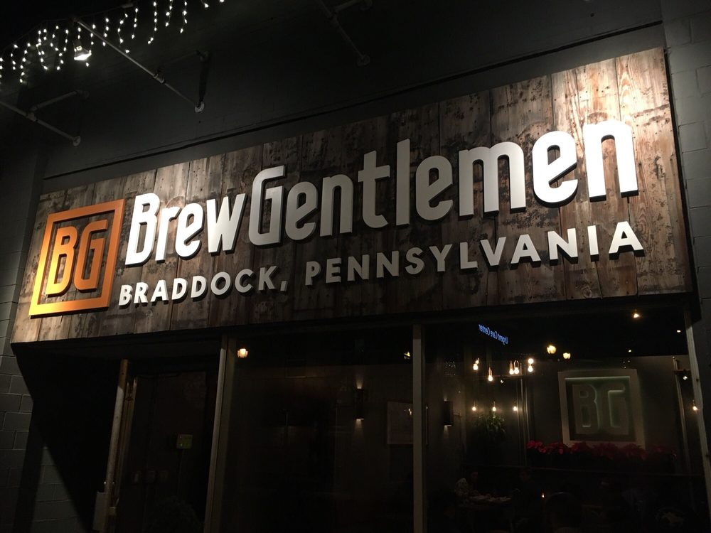 Dog-Friendly Bars and Restaurants in Pittsburgh