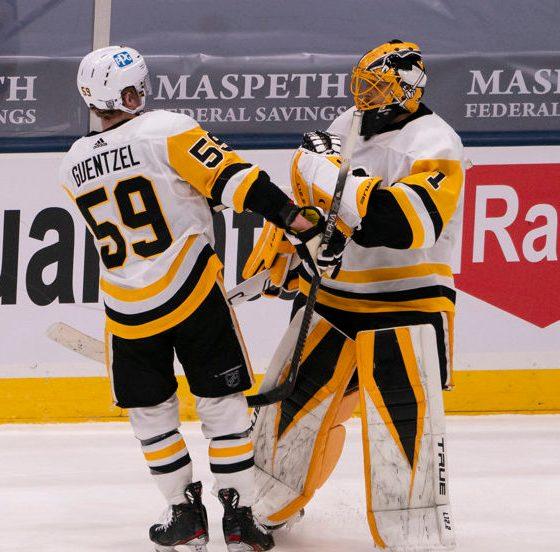 Pittsburgh Penguins Casey DeSmith, Jake Guentzel