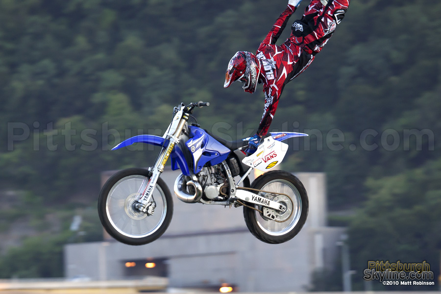 Stunt biker at the Three Rivers Regatta