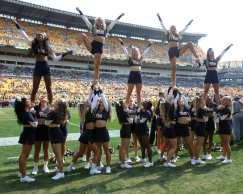 Pitt Cheerleaders September 10, 2016(Photo credit: David Hague)