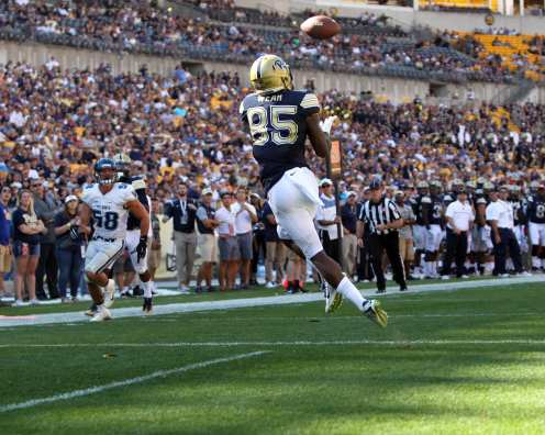Jester Weah receives TD pass in opener against Villanova (Photo credit: David Hague)