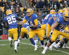 Nathan Peterman hands off to Maurice Ffrench (Photo by: David Hague)