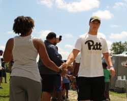 Pitt Freshman arrive at the Mel Blount Youth Leadership Initiative (Photo by David Hague)