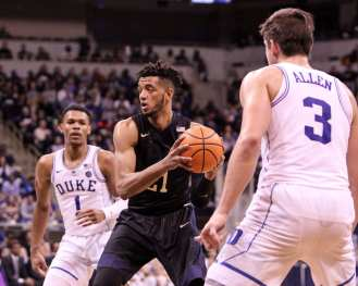 Terrell Brown (21) against Duke on January 10, 2018 -- DAVID HAGUE