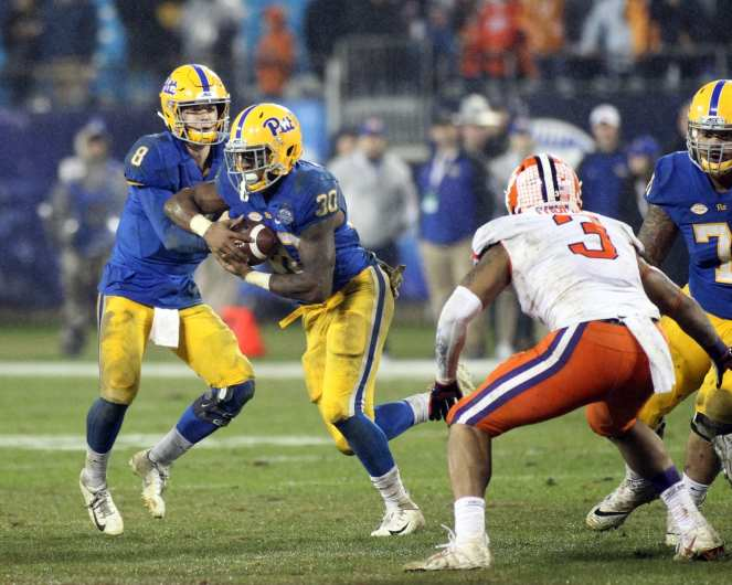 Qadree Ollison (30) in the ACC Championship Game December 1, 2018 -- David Hague/PSN