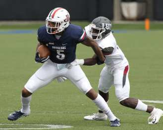 Kellon Taylor (5) Duquesne vs Lock Haven September 1, 2018 -- DAVID HAGUE