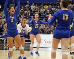 Pitt volleyball celebrates a point October 5, 2018 -- DAVID HAGUE