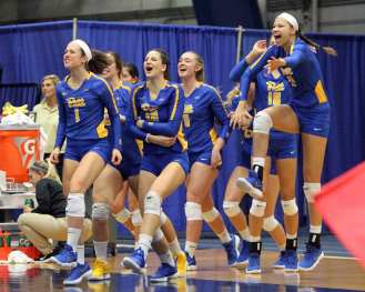 Pitt bench celebrates after taking set 2 October 5, 2018 -- DAVID HAGUE