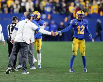 Pat Narduzzi high five Paris Ford (12) November 14, 2019 -- David Hague/PSN