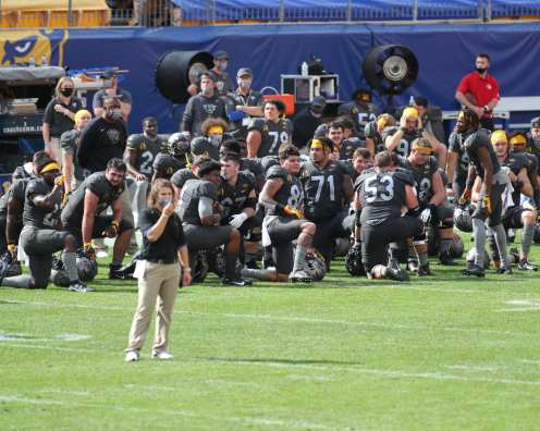 Pitt takes a knee September 26, 2020 David Hague/PSN