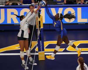 Chinaza Ndee (5) for Pitt Volleyball September 22, 2019 -- David Hague/PSN
