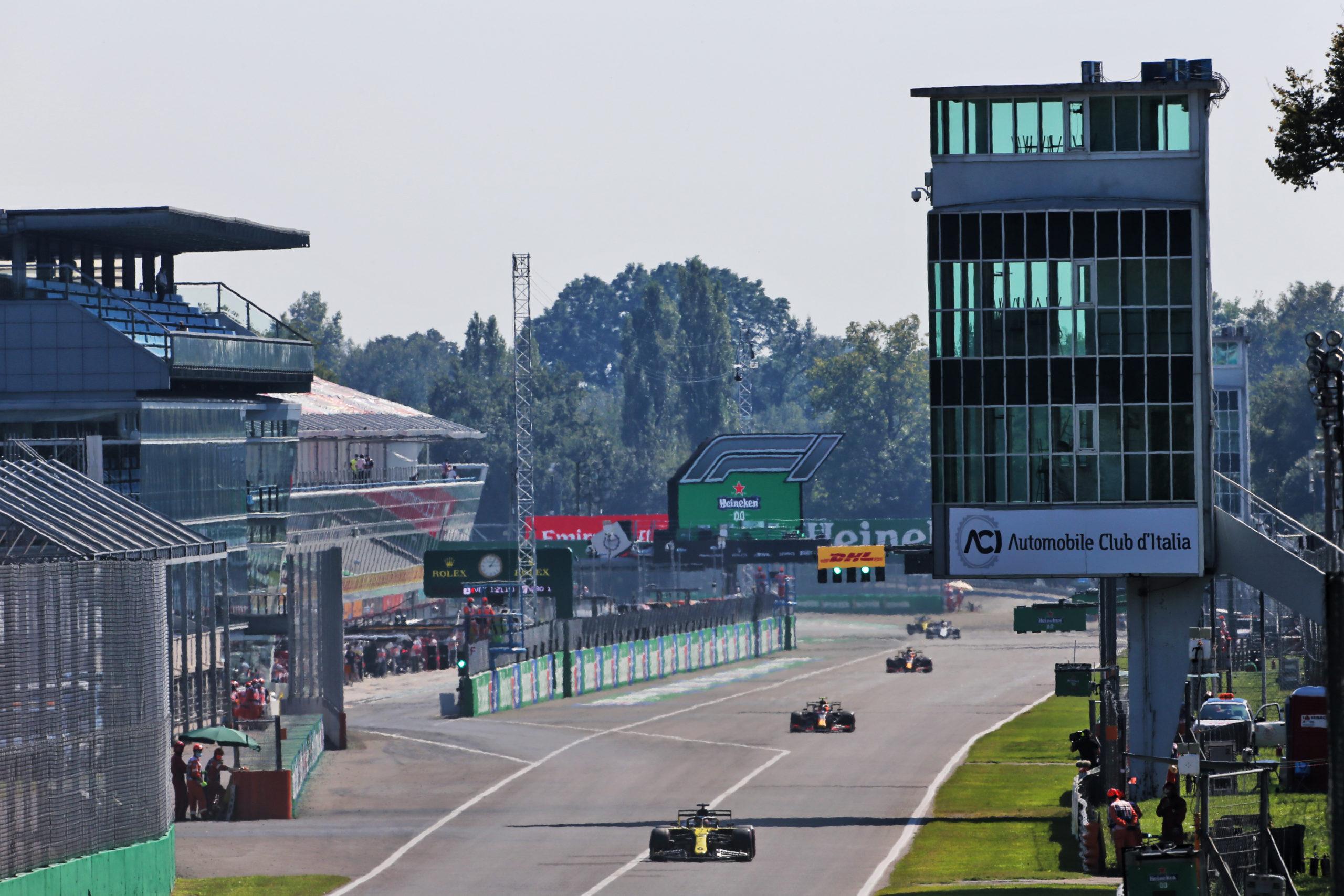 Daniel Ricciardo (AUS) Renault F1 Team RS20. Italian Grand Prix, Saturday 5th September 2020. Monza Italy.