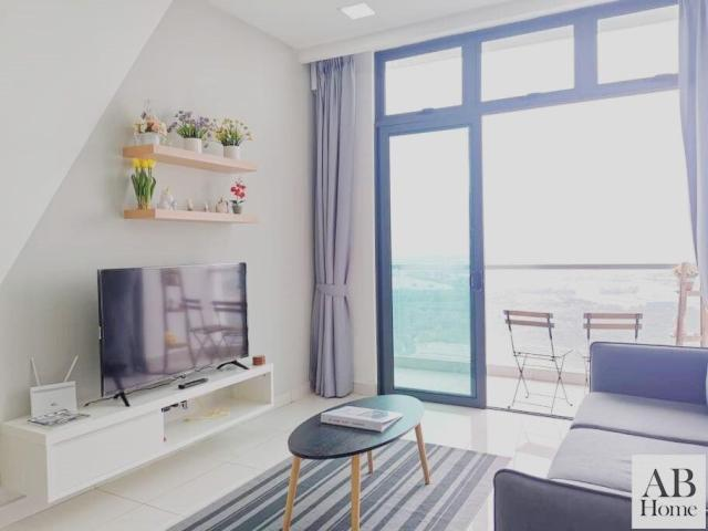 """AB HOME [Sky Suite] GREEN HAVEN #360""""PooL View"""