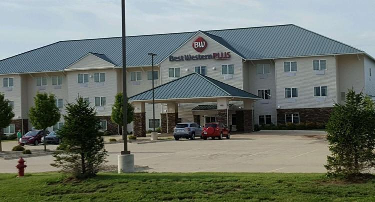 Best Western Plus Green Mill Village Hotel and Suites