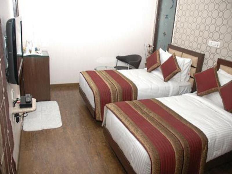 Hotel Atithi New Delhi India Booking Best Price deals Best Hoels in New Delhi-2