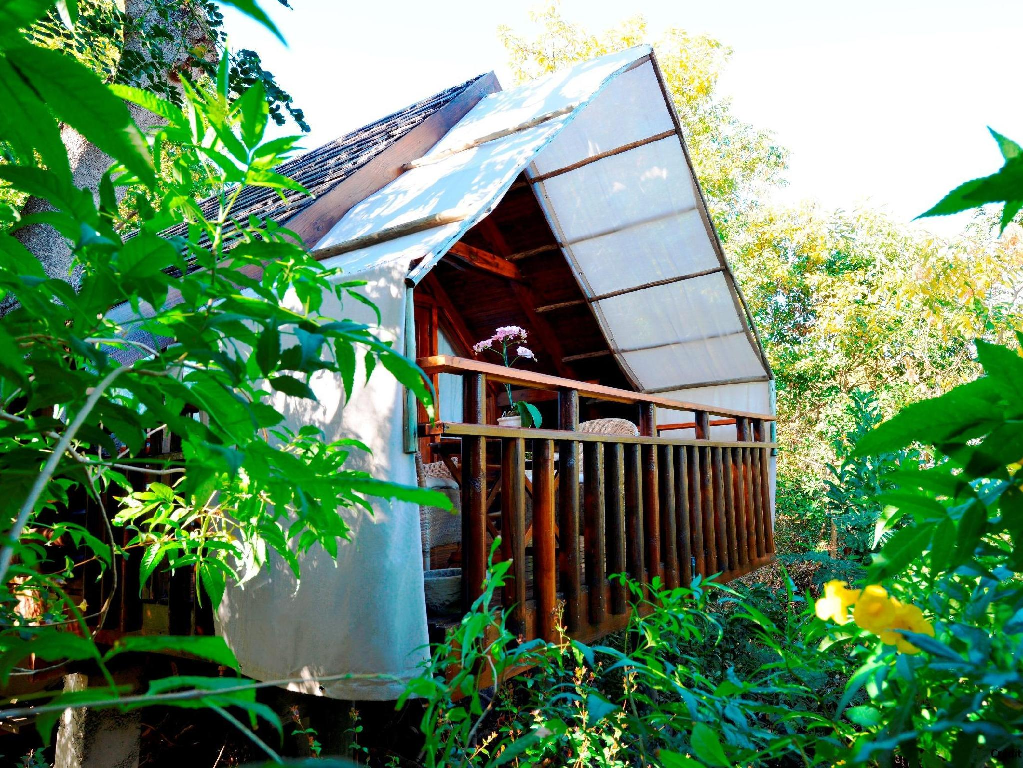 lodge roche tamarin spa resort