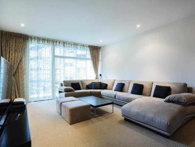 Veeve Luxury 2 Bedroom Apartment