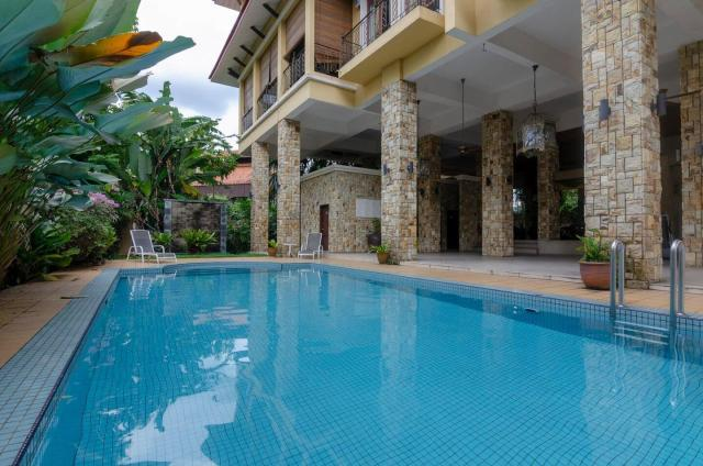 A Spacious & Comfy 5BR Home in Ampang FREE Parking