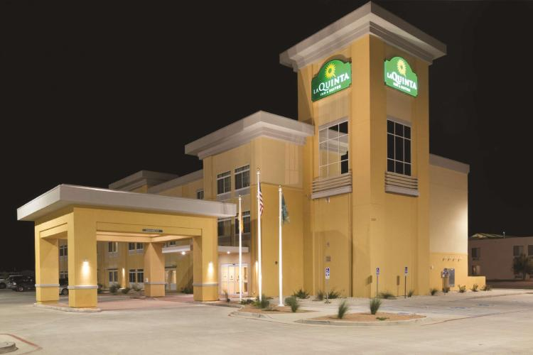 La Quinta Inn & Suites by Wyndham Artesia