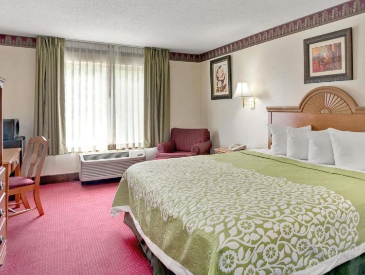SureStay Plus Hotel by Best Western Atlanta Airport South