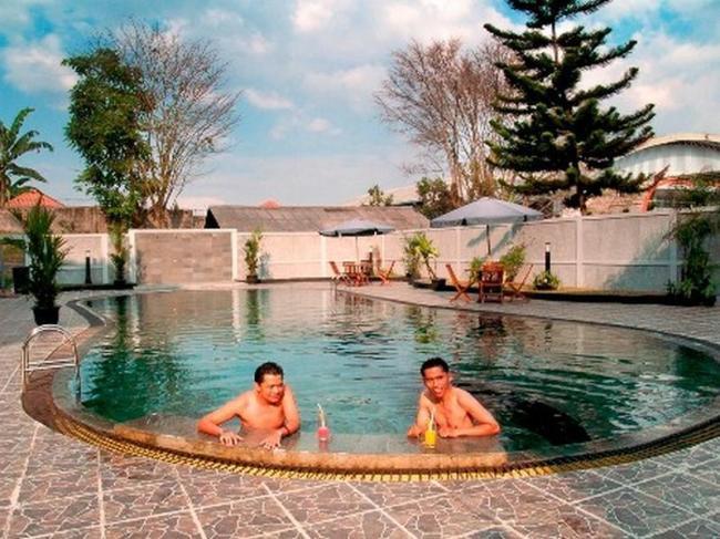 Enhaii Hotel