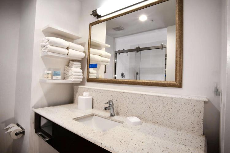 Hampton Inn & Suites Baltimore Aberdeen