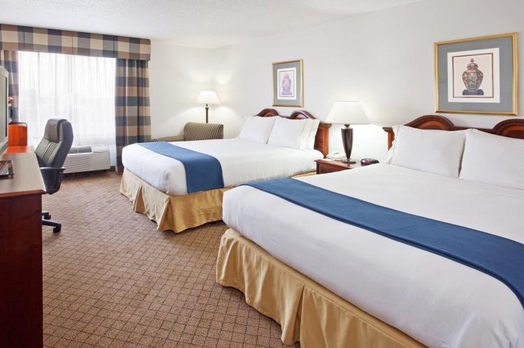 Holiday Inn Express Hotel And Suites Alliance