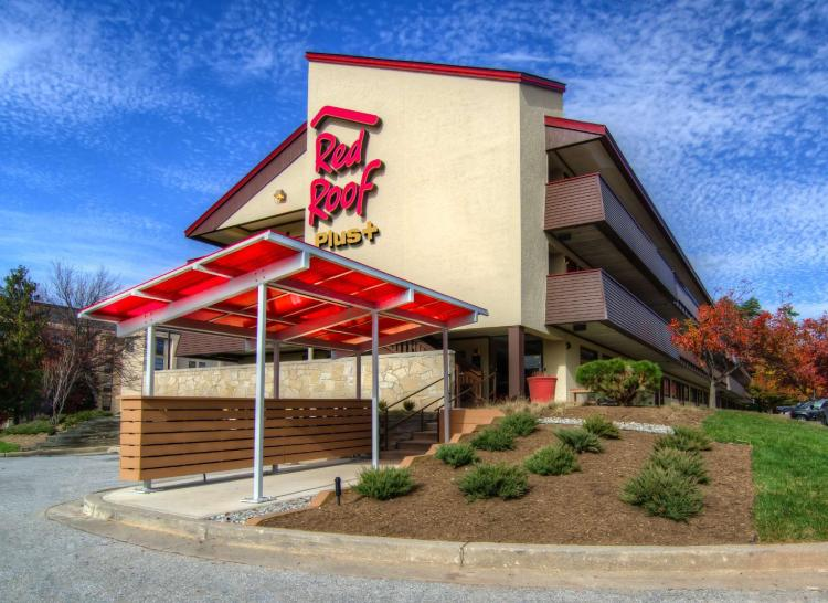 Red Roof PLUS+ Baltimore-Washington DC/BWI Airport