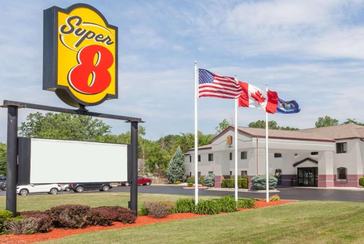 Super 8 By Wyndham Marysville/Port Huron Area