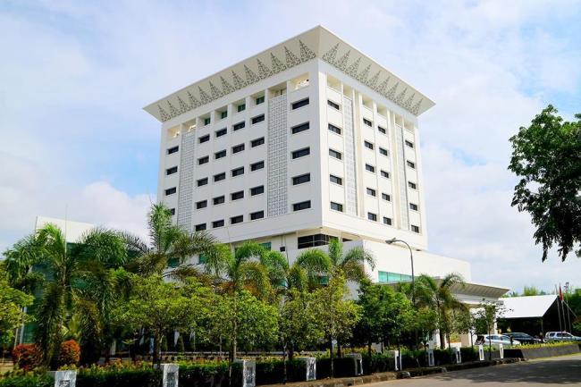 Grand Mahkota Hotel
