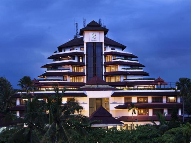 Grand Quality Hotel