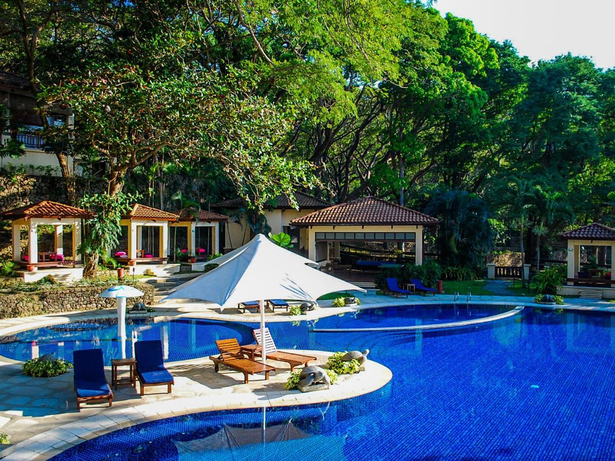 Batangas Beach Resorts: Club Punta Fuego
