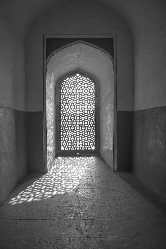 window pattern reflection