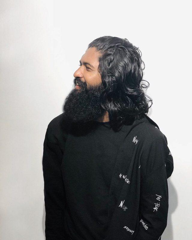 Beard man with open hairs