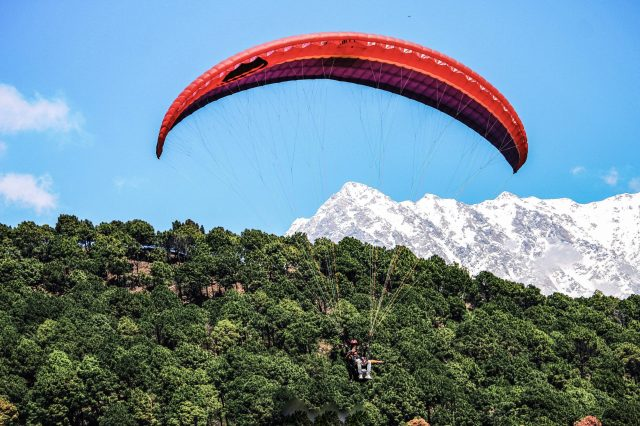 Paragliding in the Dhauladhar mountains