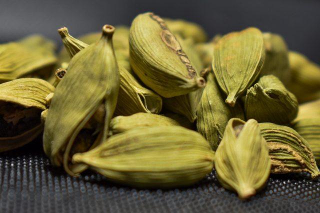 Dry cardamom
