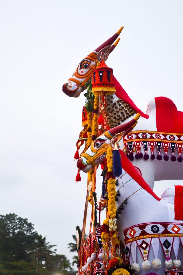 Sacred ox statue