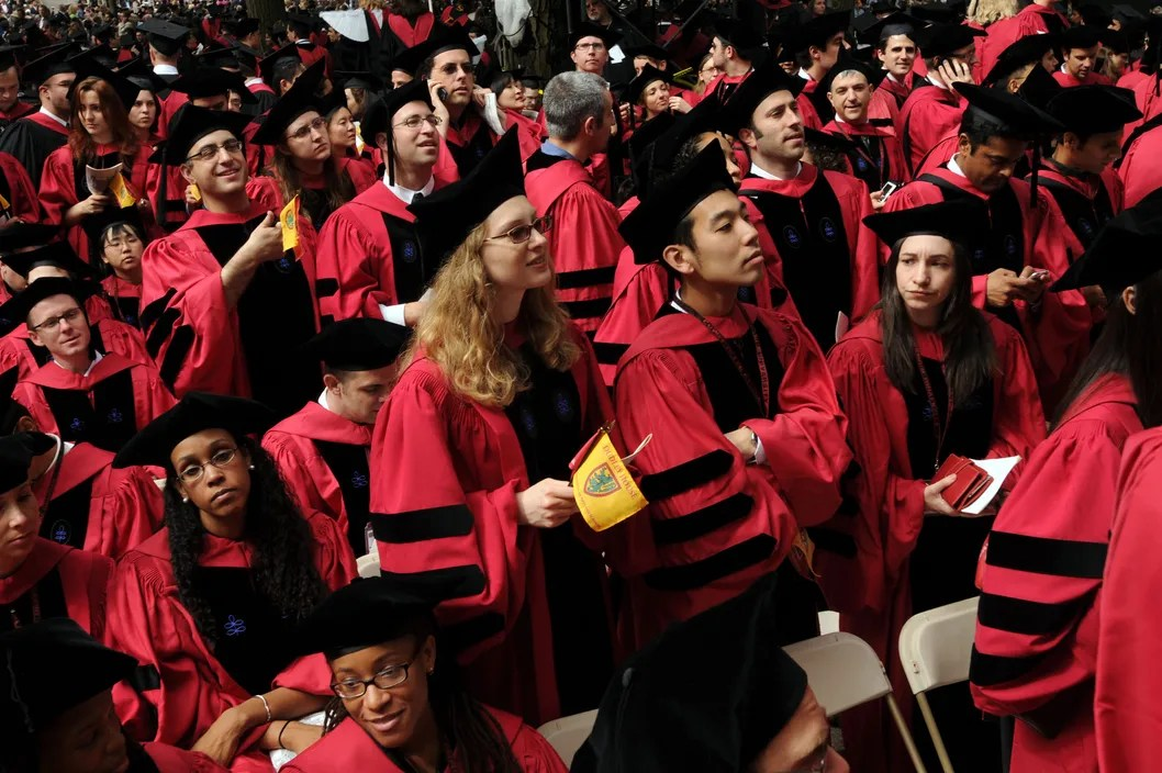https://i2.wp.com/pixel.nymag.com/imgs/daily/intelligencer/2013/05/29/29-harvard-graduation.w529.h352.2x.jpg