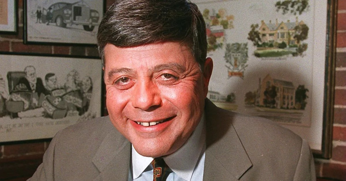 Vincent Buddy Cianci The Providence Mayor Who Once Put