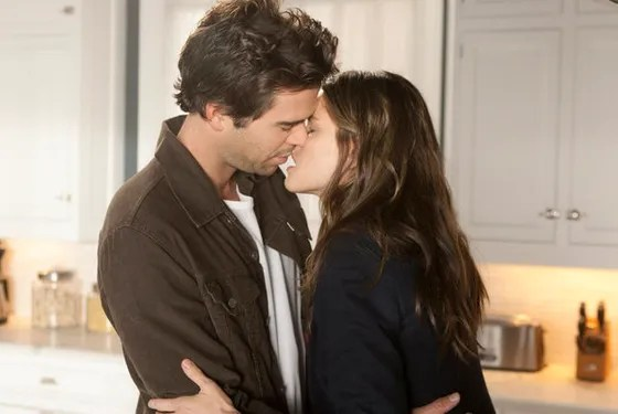 "BENT -- ""Tile Date"" Episode 106 -- Pictured: (l-r) David Walton as Pete, Amanda Peet as Alex -- Photo by: Michael Desmond/NBC"