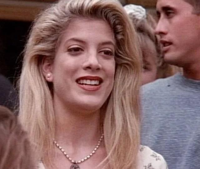 Tori Spelling On The 20th Anniversary Of 90210s Donna Martin Graduates Episode