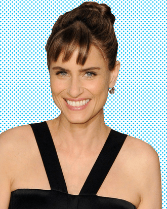 Togethernesss Amanda Peet On Larry Vs Alex And Trying To Get On Game Of Thrones
