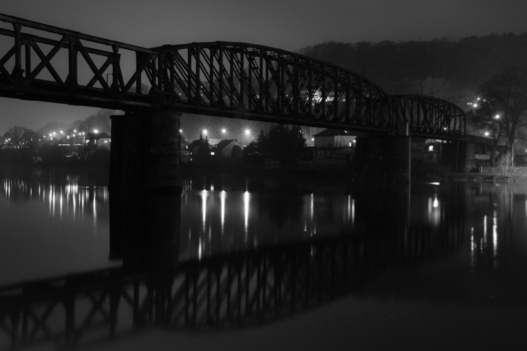 Hamelns alte Eisenbahnbrücke über die Weser