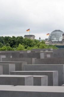 Mahnmal - Stelenfeld - Reichstagskuppel